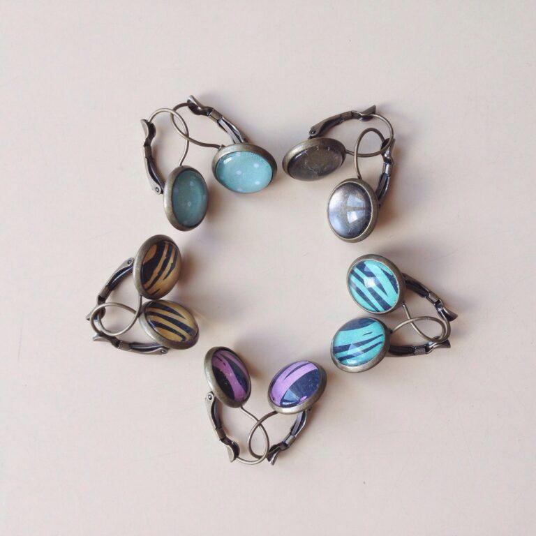 Earrings flower pattern